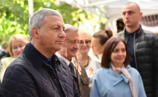 Битаров встретился с туристами