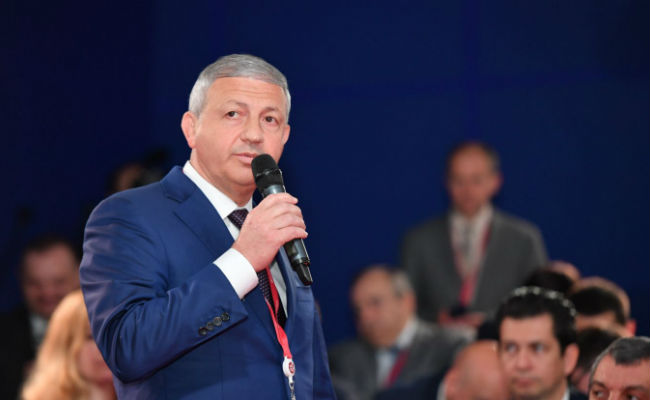 Битаров поздравил выпускников детских домов