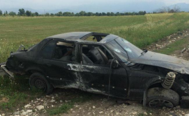 Автомобиль рядом с Дигорой слетел в кювет