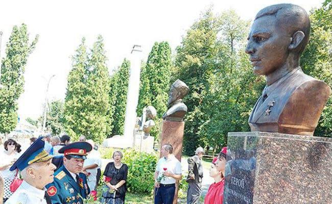 В Ардоне открыли памятник Герою СССР Каурбеку Тогузову