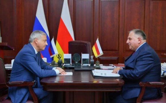 Рабочая встреча с руководителем Управления Росреестра по Республике Северная Осетия - Алания Казбеком Токаевым