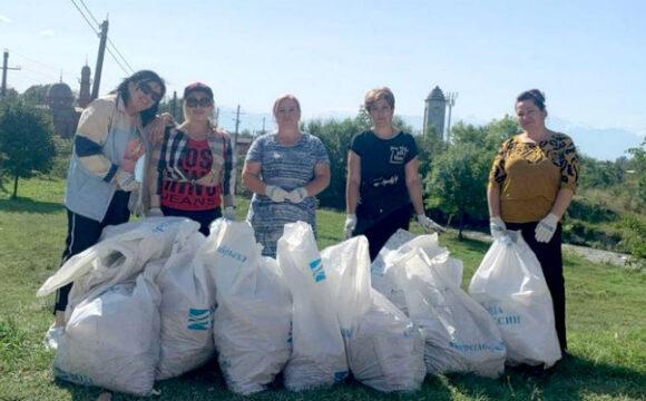 """Педагоги и родители детского сада """"Березка"""" из города Беслан проводят акцию «Вода России»"""