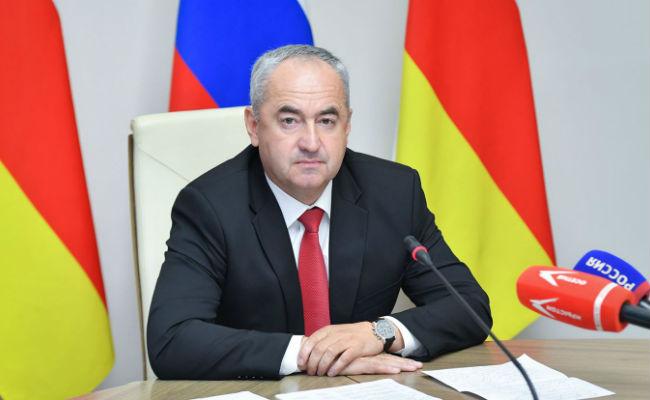 Заседание в режиме видеосвязи провел премьер Таймураз Тускаев.