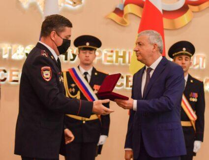 работников МВД Северной Осетии поздравили Глава РСО-Алания Вячеслав Битаров
