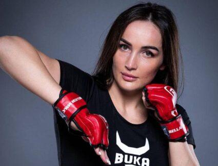 Диана Авсарагова выиграла свой дебютный поединок